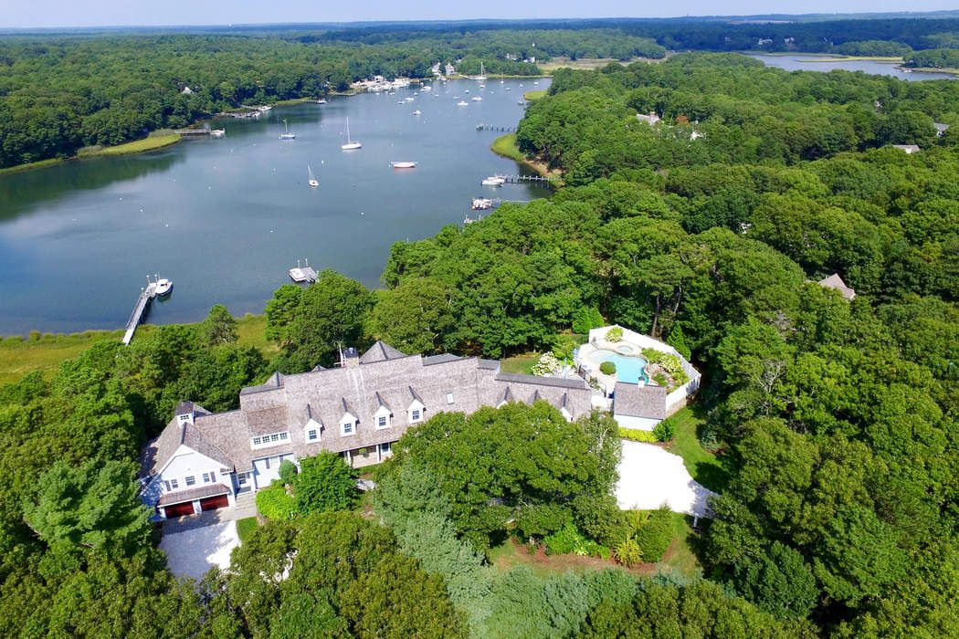 250 Baxters Neck Rd, Marstons Mills, MA