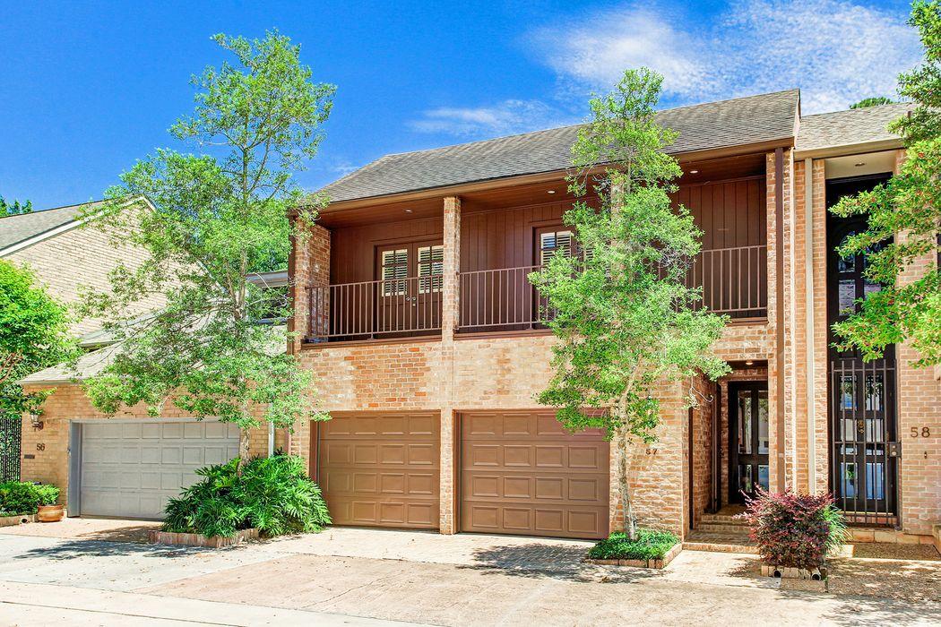 10 S Briar Hollow Lane Houston, TX 77027