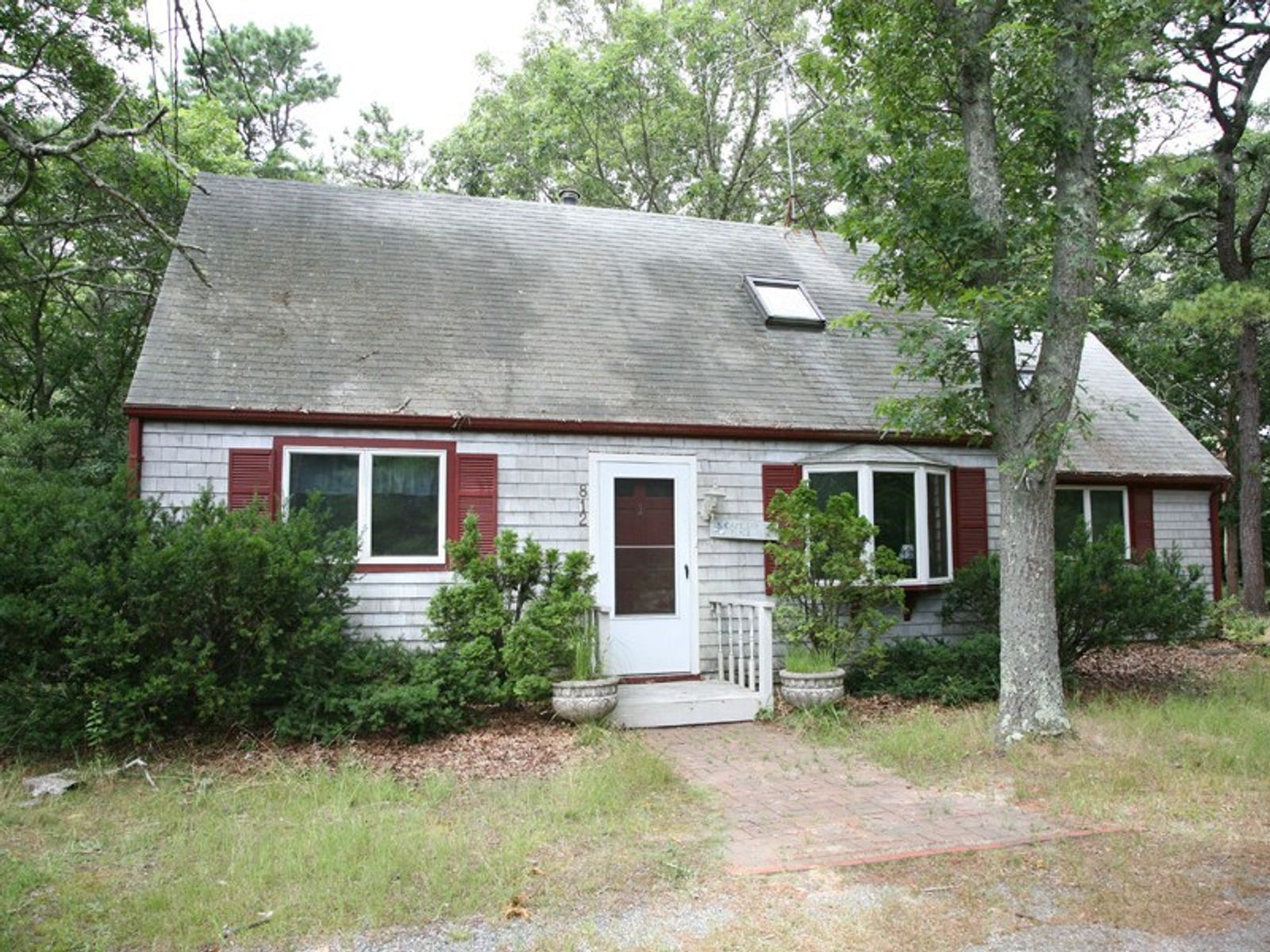 Cape with Potential, Falmouth MA Single Family Home - Cape Cod Real Estate