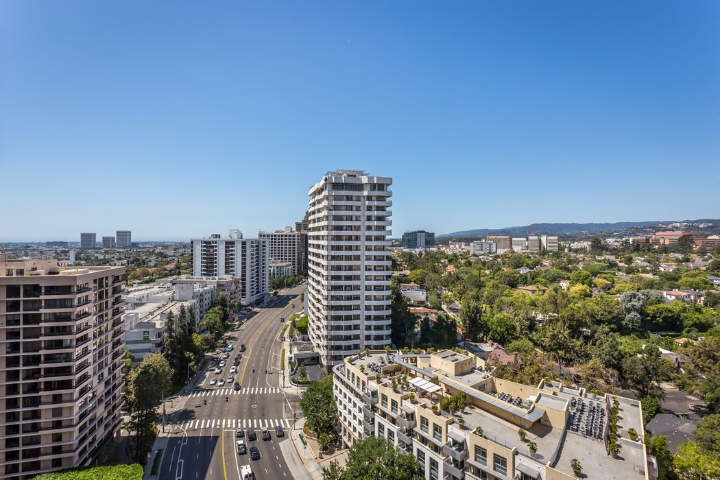 10560 Wilshire Boulevard Los Angeles, CA 90024