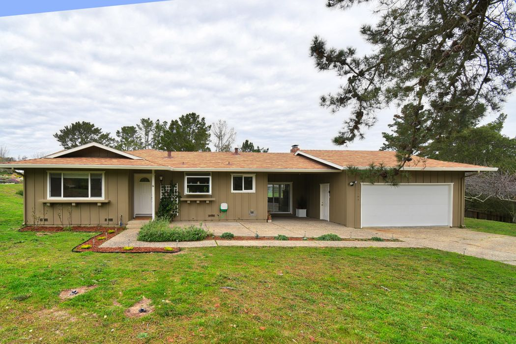 12465 Saddle Road Carmel Valley, CA 93924