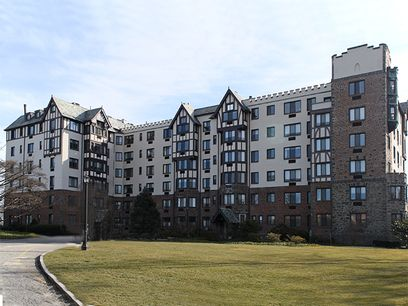 Classic, Carefree & Convenient!, Greenwich CT Condominium - Greenwich Real Estate
