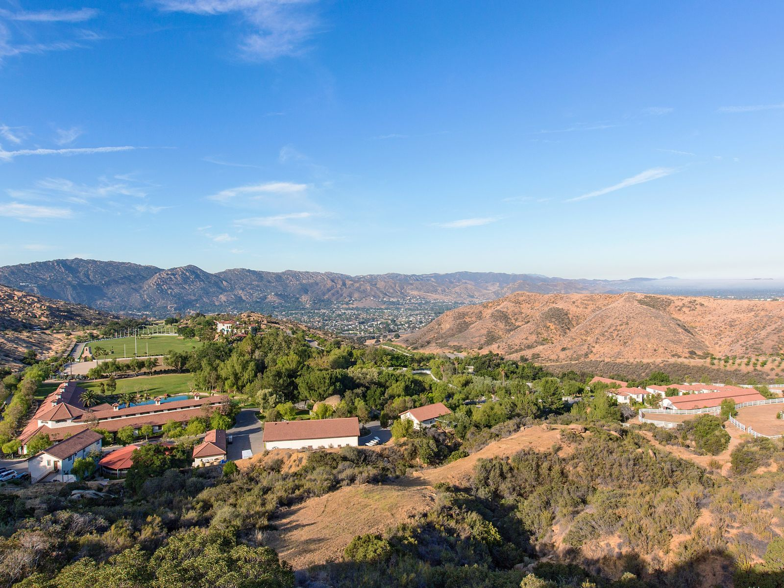 Magnificent World Class Facility, Simi Valley CA Ranch / Farm - Ventura Real Estate