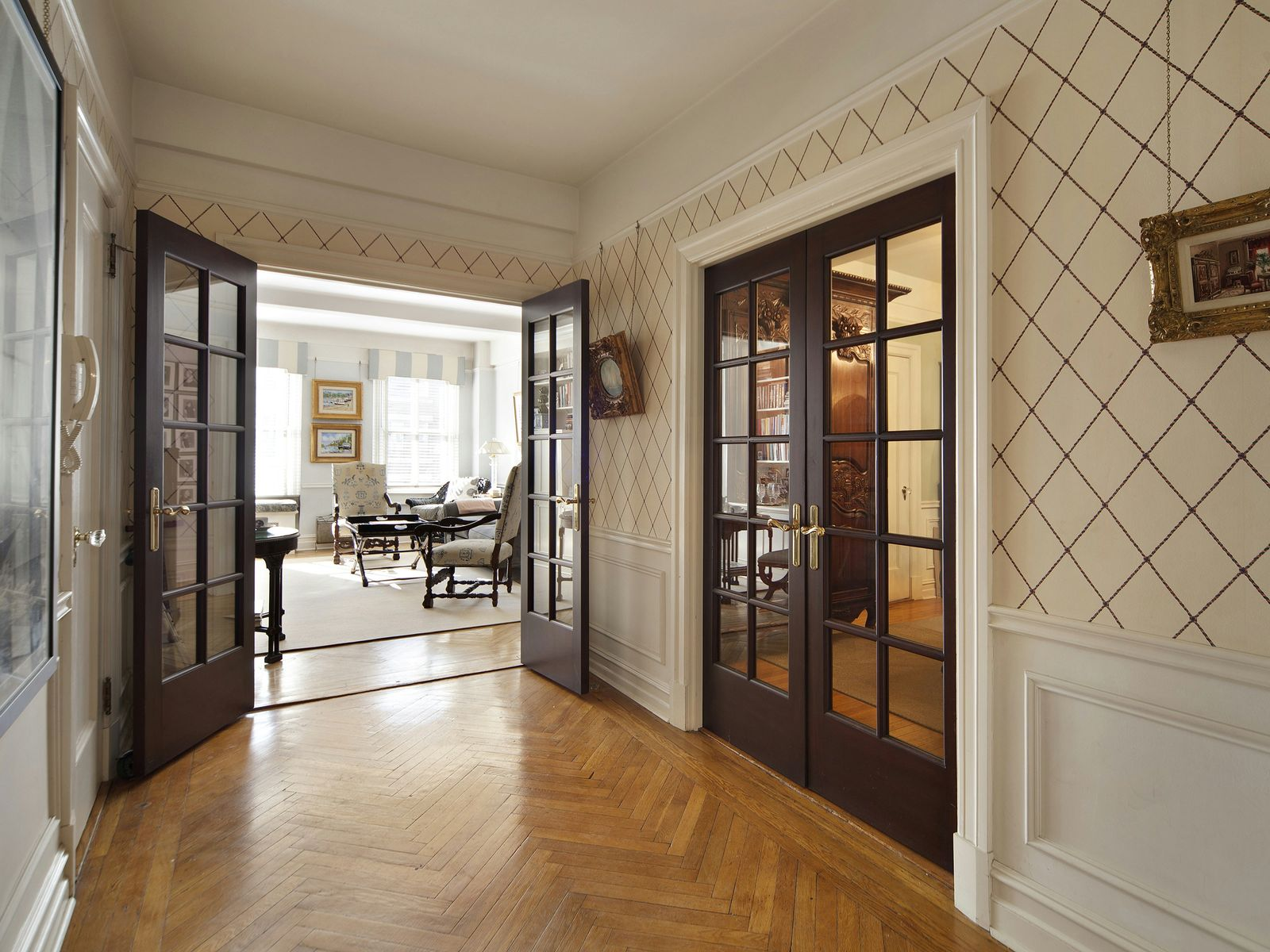 17 E 96th St- Classic 5 off Central Park, New York NY Cooperative - New York City Real Estate