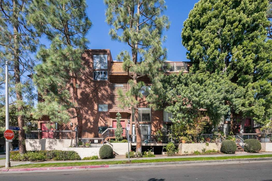 11757 Mayfield Ave Los Angeles, CA 90049