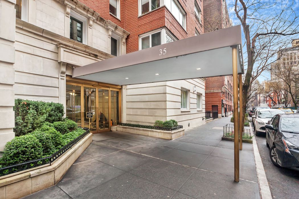 35 East 85th Street New York, NY 10028