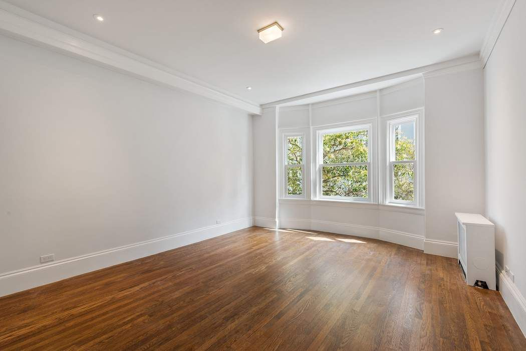 Stunning Remodeled Pacific Heights Condo San Francisco, CA 94109