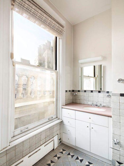 11 East 73rd Street, Apartment 4B
