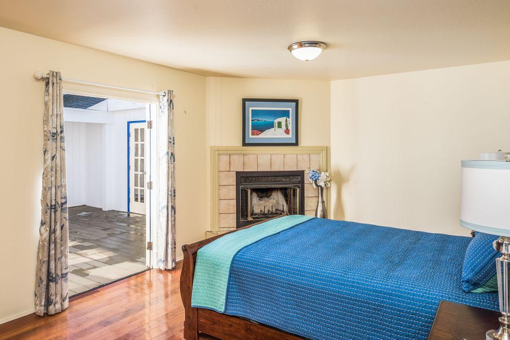 871 Bayview Avenue Pacific Grove, CA 93950