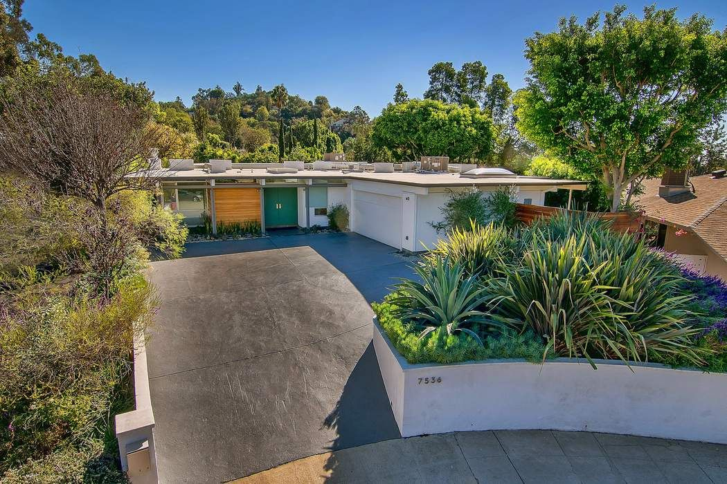 Mid Century Modern with Large Flat Yard