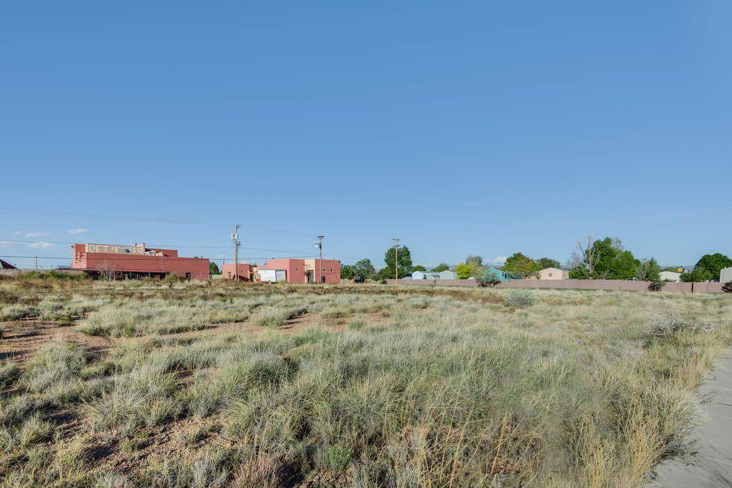 7517 Gooney Bird Way Santa Fe, NM 87507
