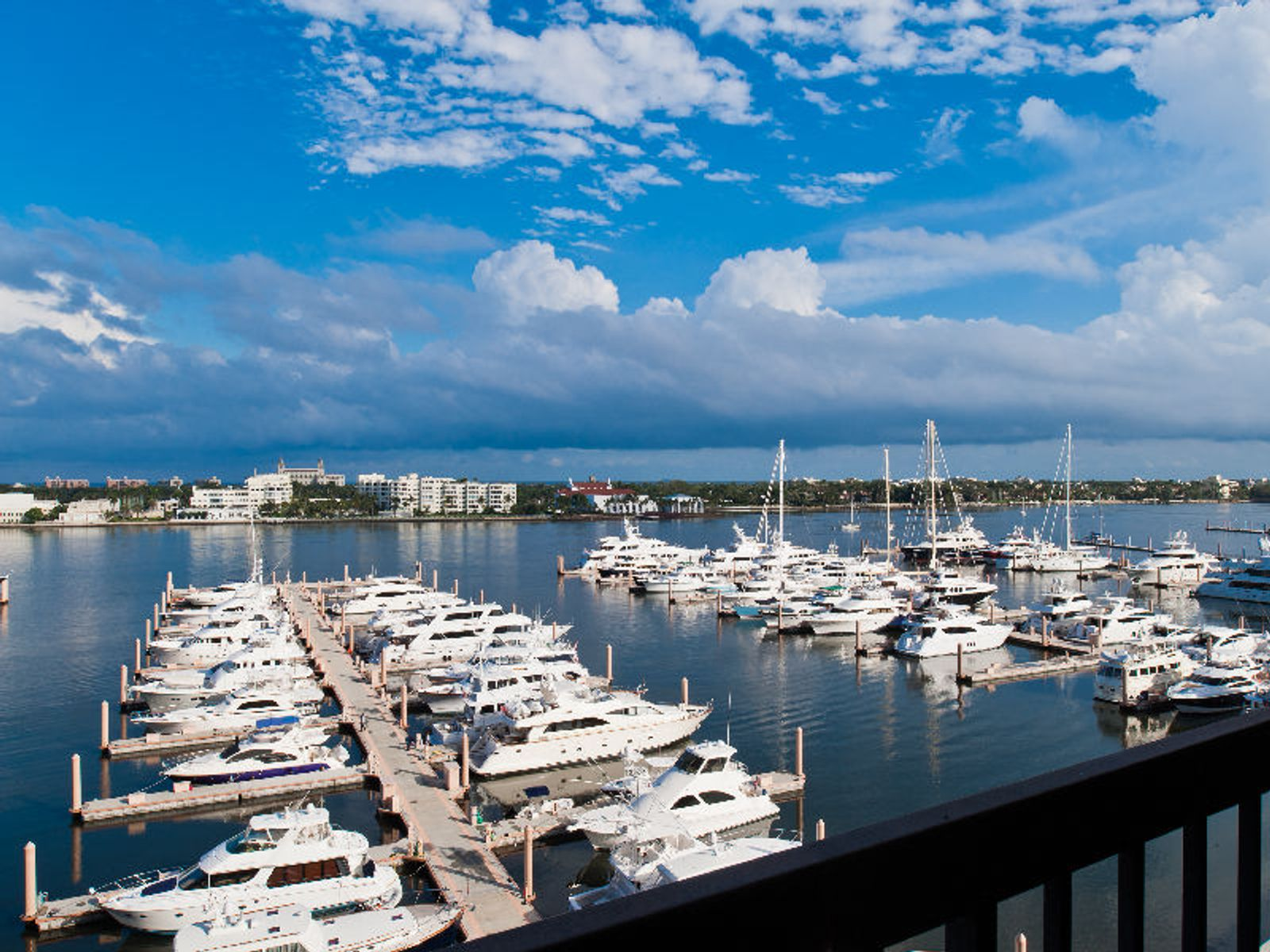 Waterview Towers Turn Key Opportunity, West Palm Beach FL Condominium - Palm Beach Real Estate