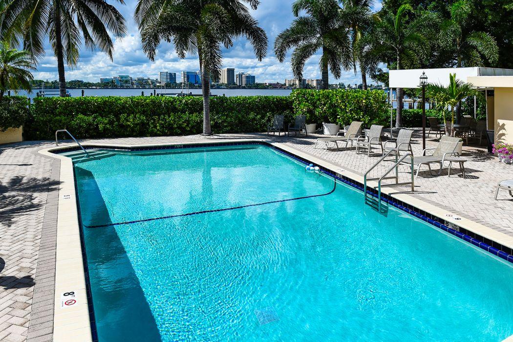 250 Bradley Place Palm Beach, FL 33480