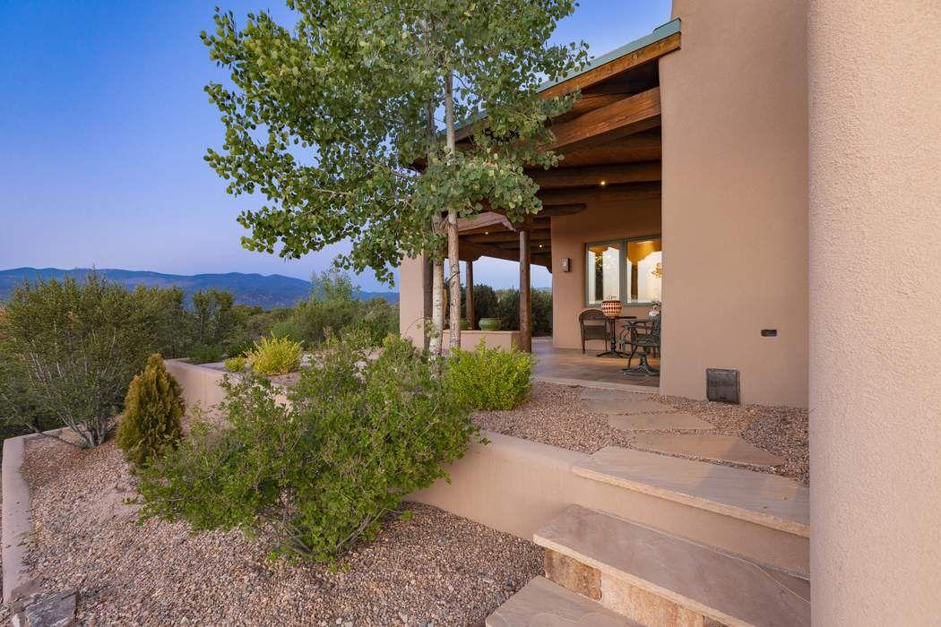 2975 Tesuque Overlook Santa Fe, NM 87506