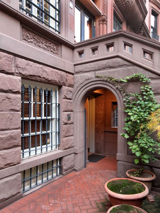 37 West 70th Street New York Ny 10023 Sotheby S