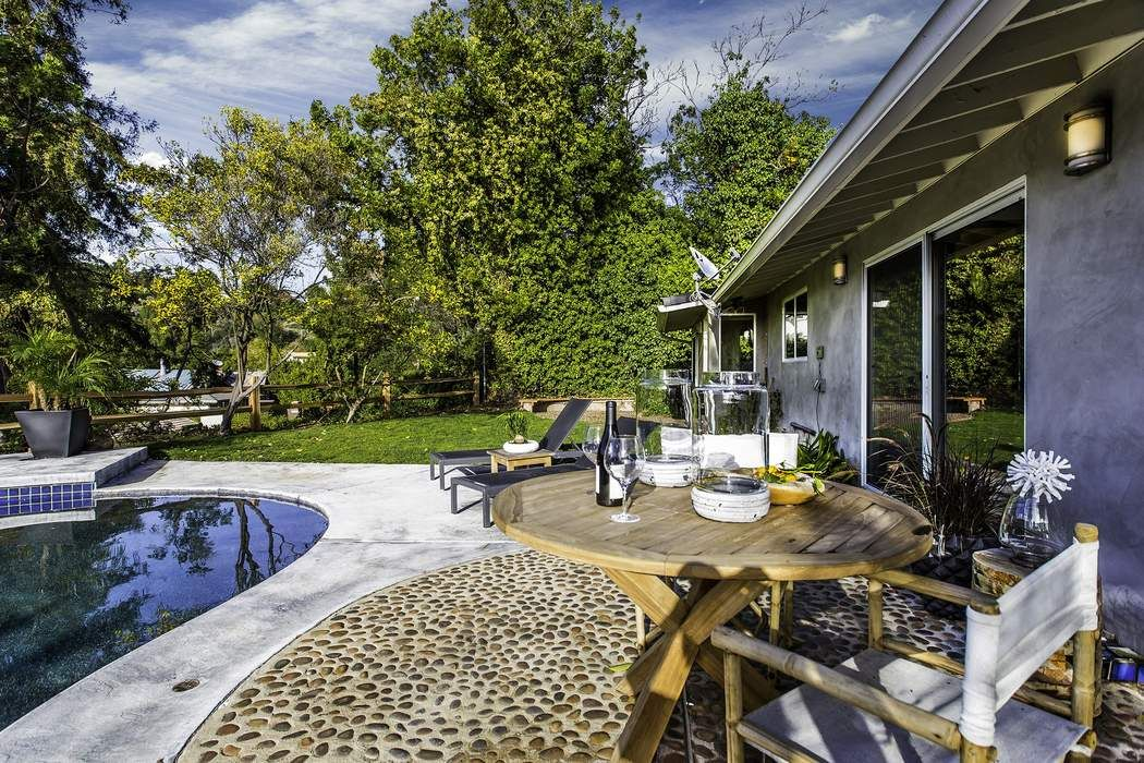 13730 Bayliss Road Los Angeles Ca 90049 Sotheby S