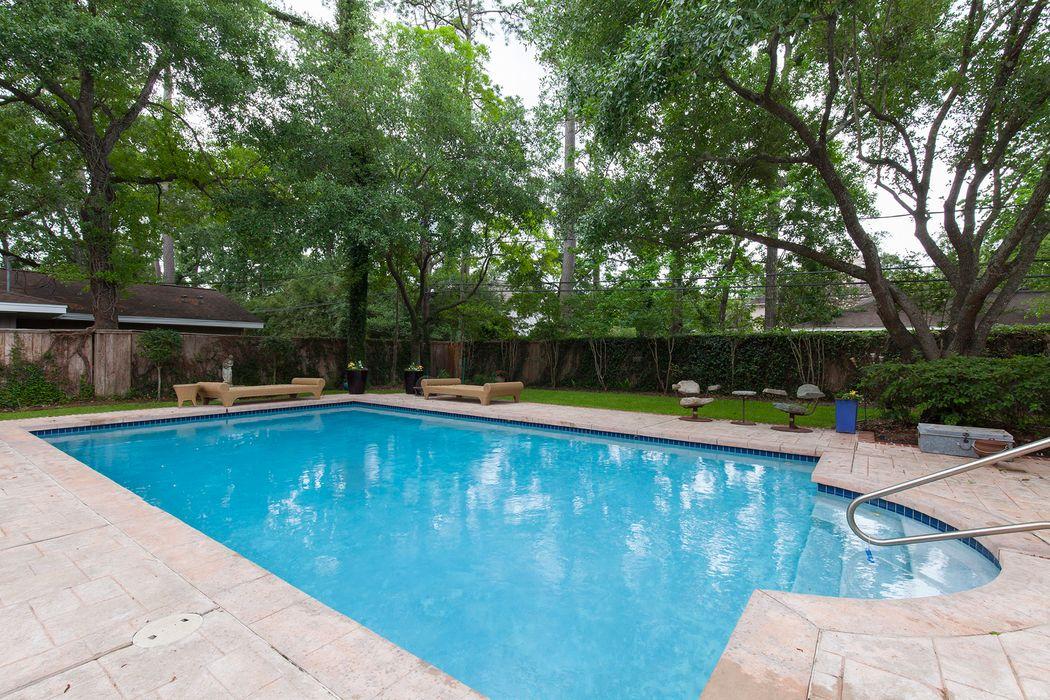 11625 Green Oaks Street Houston, TX 77024