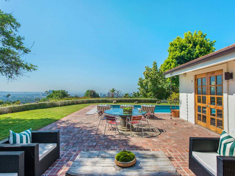 Stunning Gated Beverly Hills Retreat