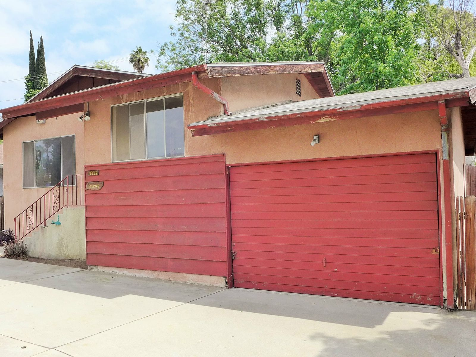 Traditional Fixer In Eagle Rock