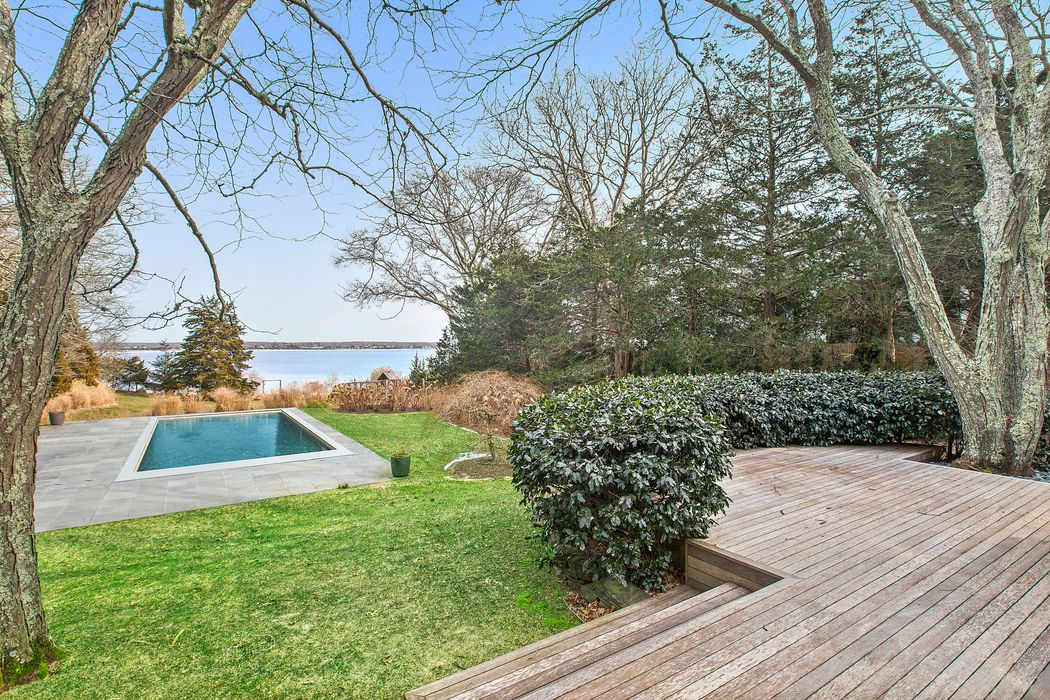 44 Three Mile Harbor Drive East Hampton, NY 11937