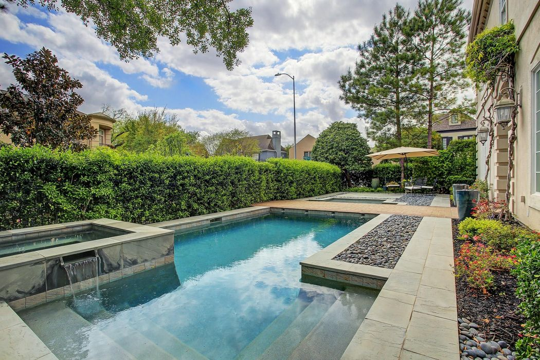 3111 Mid Lane Houston, TX 77027