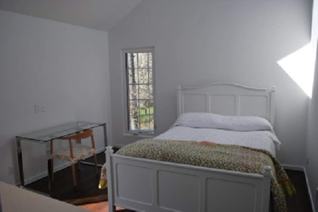 CHIC RENOVATED EAST HAMPTON CONTEMPORARY East Hamtpton, NY 11937