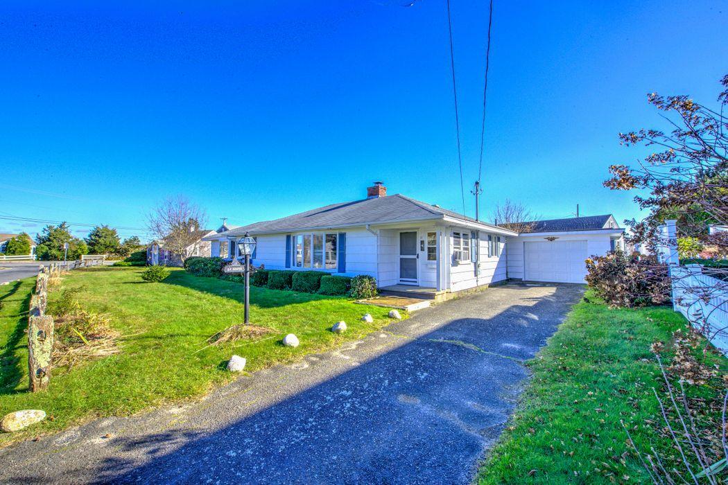 11 Short Beach Road Centerville, MA 02632