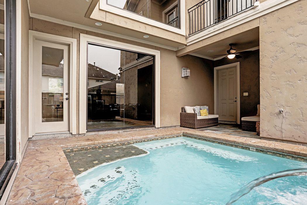 4306 Jane Street Bellaire, TX 77401