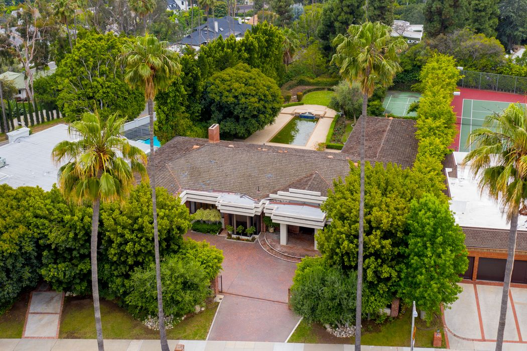 410 Doheny Road Beverly Hills, CA 90210
