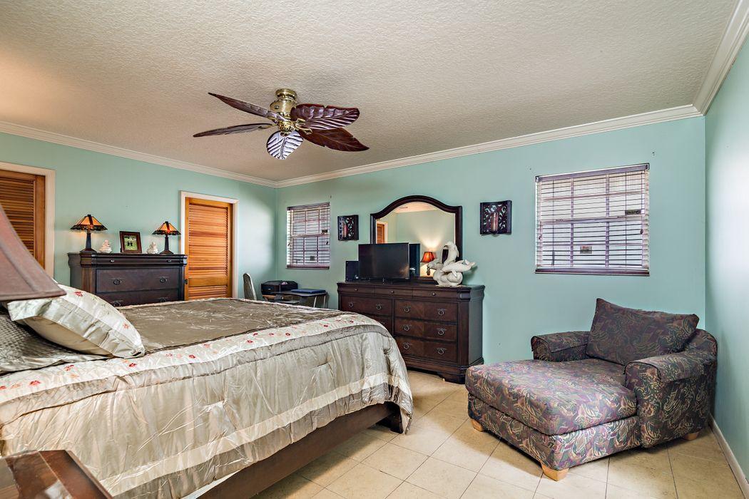 2610 Sun Cove Ln North Palm Beach, FL 33410