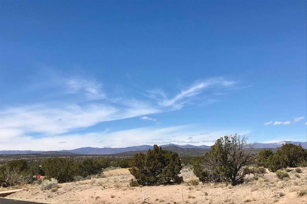 2 Calle Gonzales Santa Fe, NM 87506