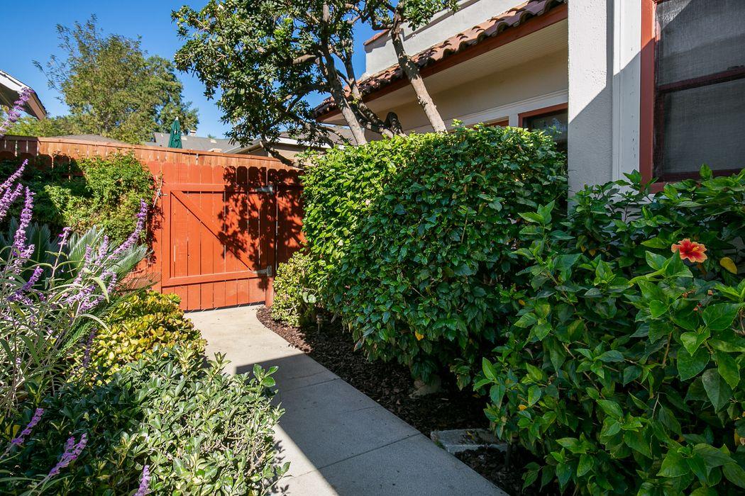 1277 North El Molino Avenue Pasadena, CA 91104