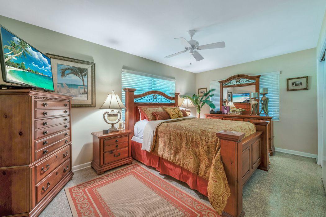 518 S Atlantic Dr Lake Worth, FL 33462