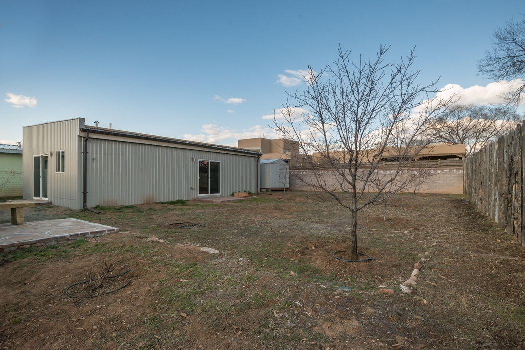 513 La Joya Road Santa Fe, NM 87501
