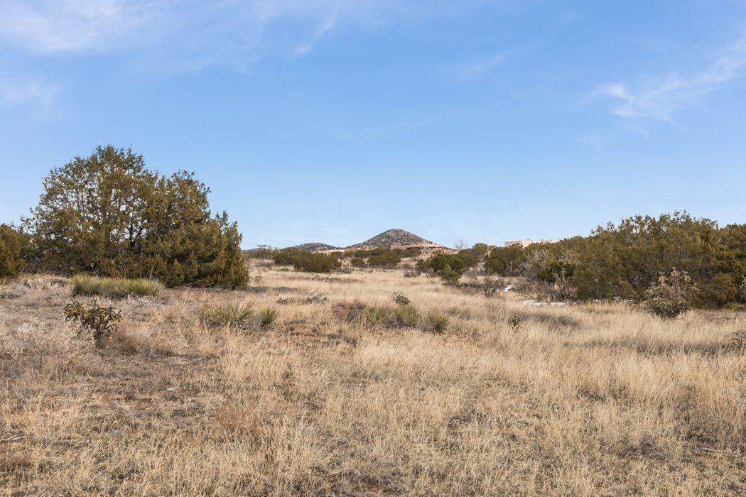 3 Juego Pl Santa Fe, NM 87508