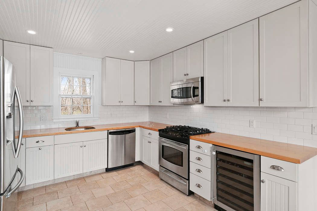 49 Butter Lane Bridgehampton, NY 11932