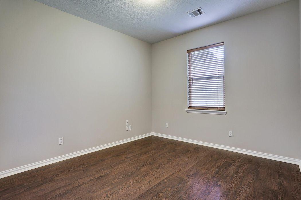 323 Amarillo Drive Magnolia, TX 77354
