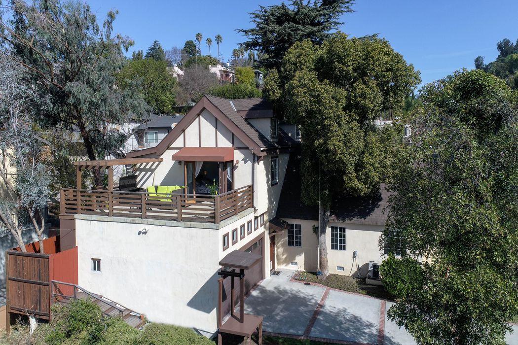 1645 Redcliff Street Los Angeles, CA 90026