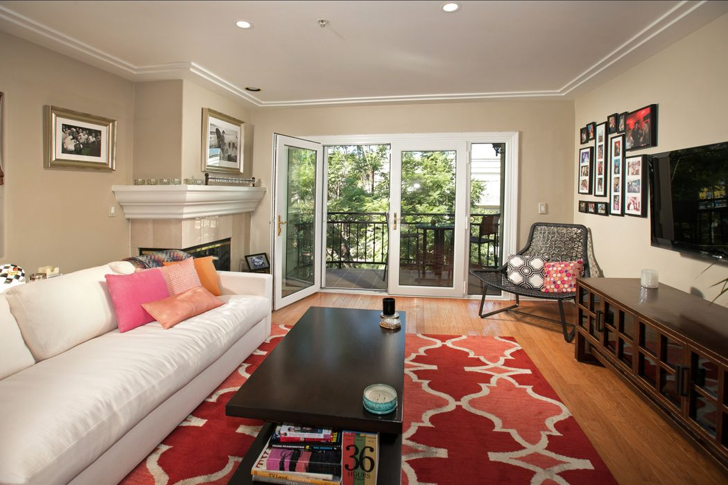 146 South Clark Drive West Hollywood, CA 90048