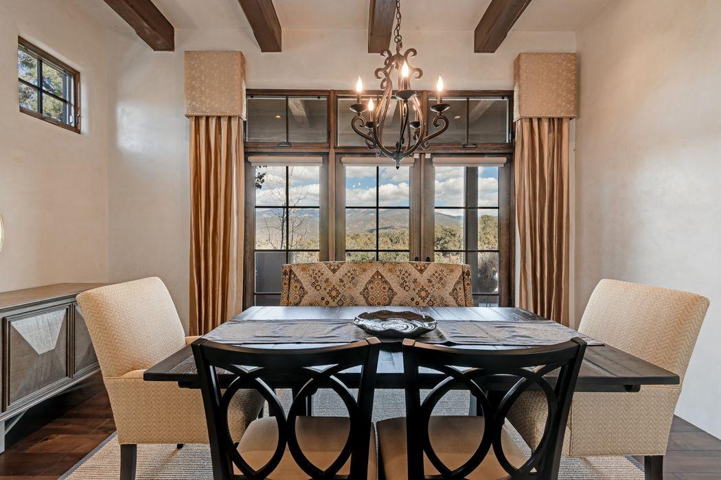 2948 Aspen View Santa Fe, NM 87506
