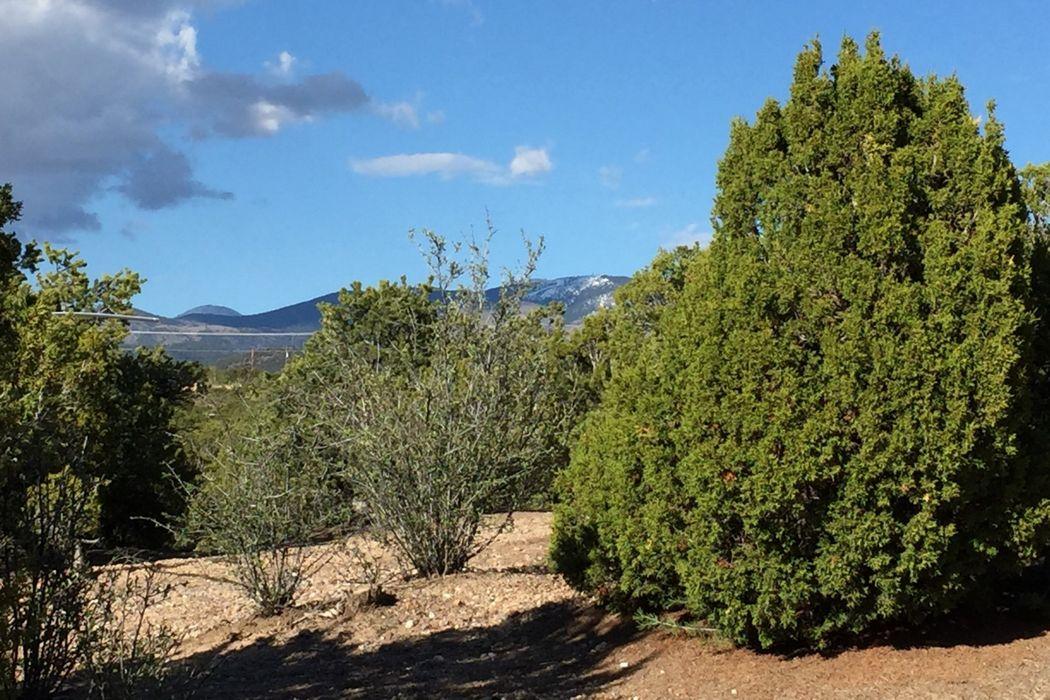 1059 Encantado Drive Santa Fe, NM 87501