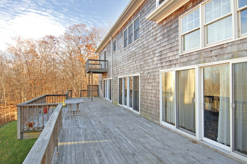 25 Laurel Hill Lane Amagansett, NY 11930