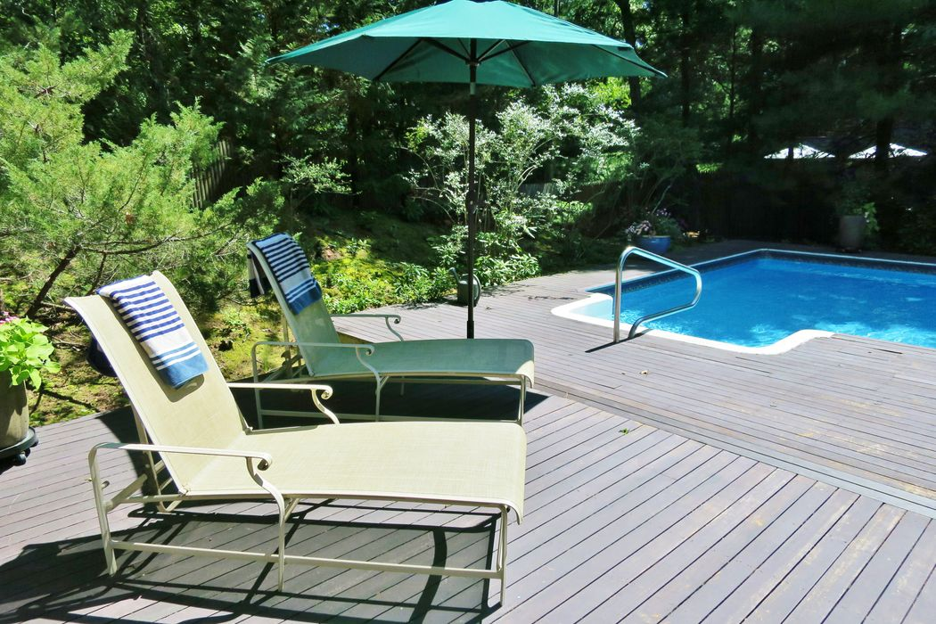 4 Clamshell Avenue East Hampton, NY 11937