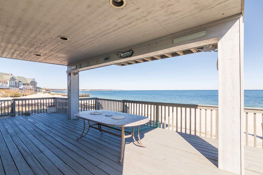 Bayfront on Cold Spring Point Southampton, NY 11968
