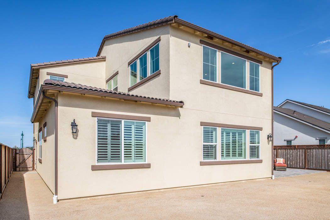 596 Braden Way Marina, CA 93933