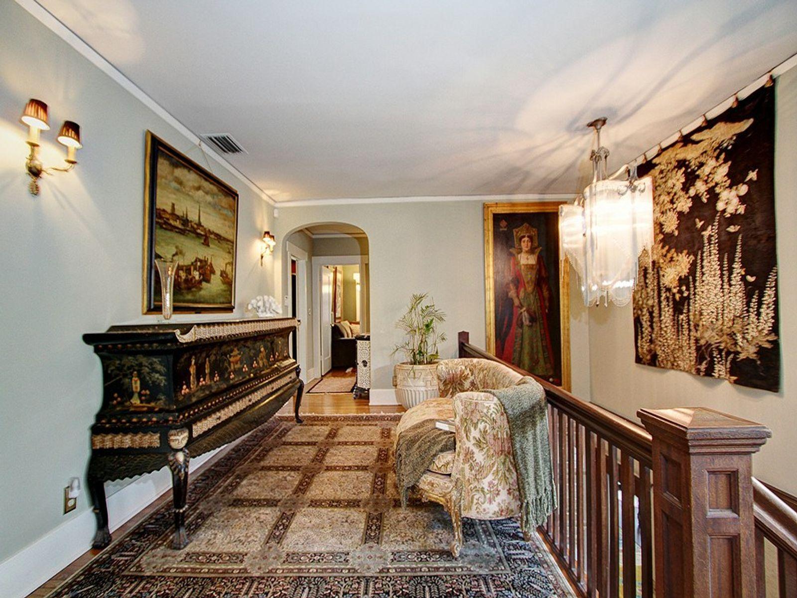 Historic Altadena Treasure