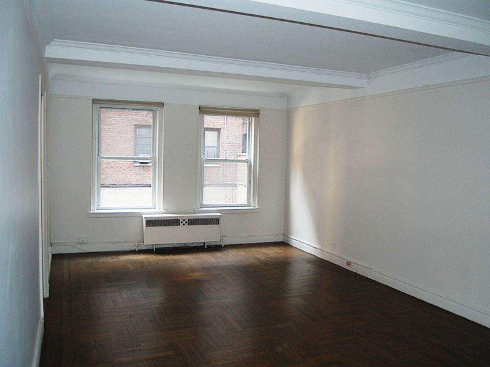 325 East 79th Street, Apt 2D