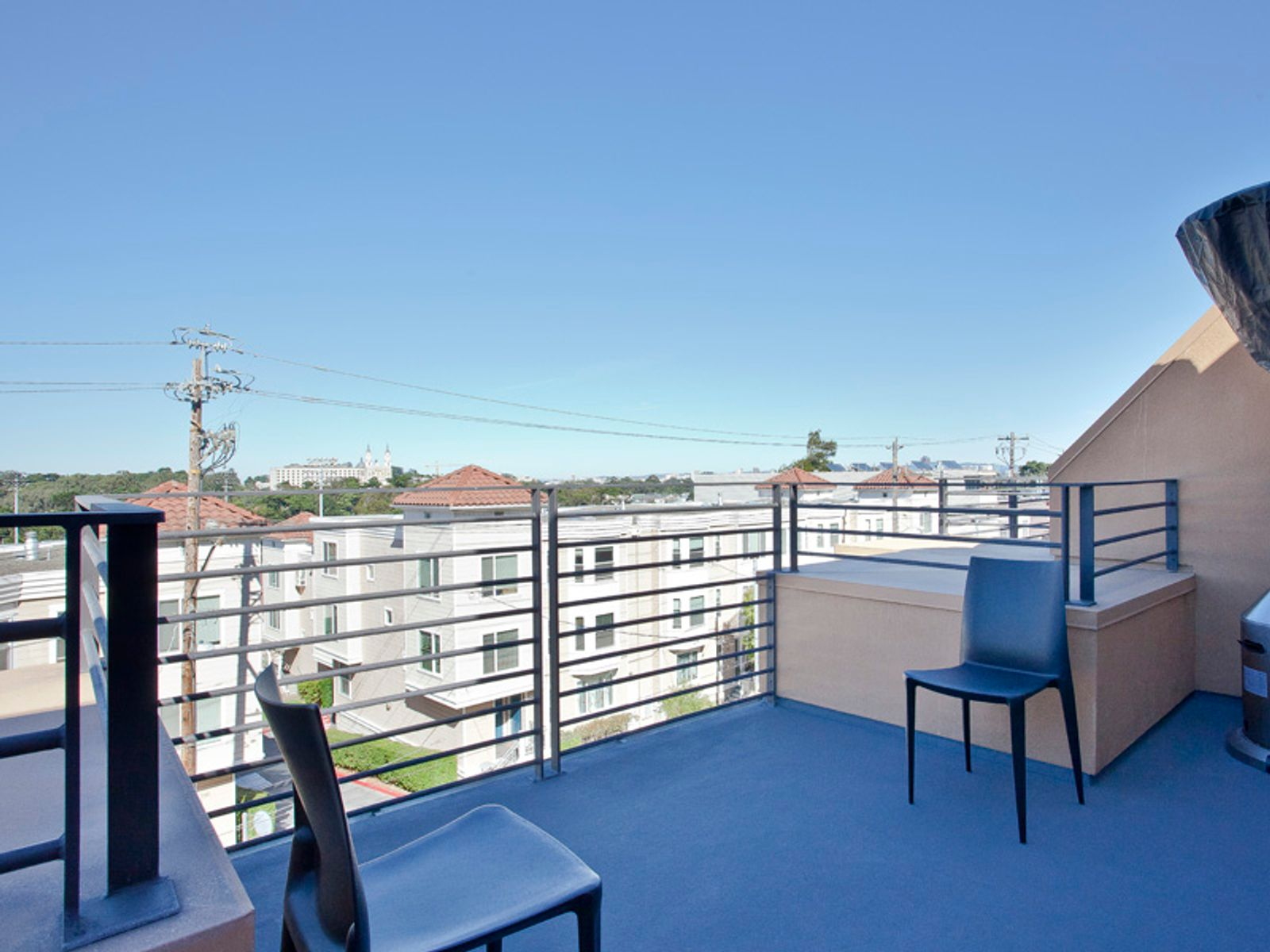 403 Carl Exquisite View Townhome