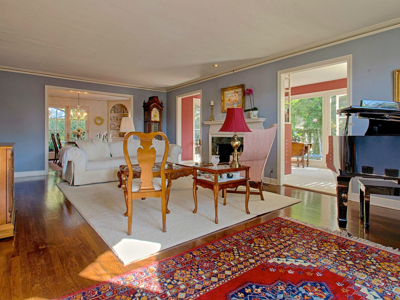 Charming English Pied-a-Terre