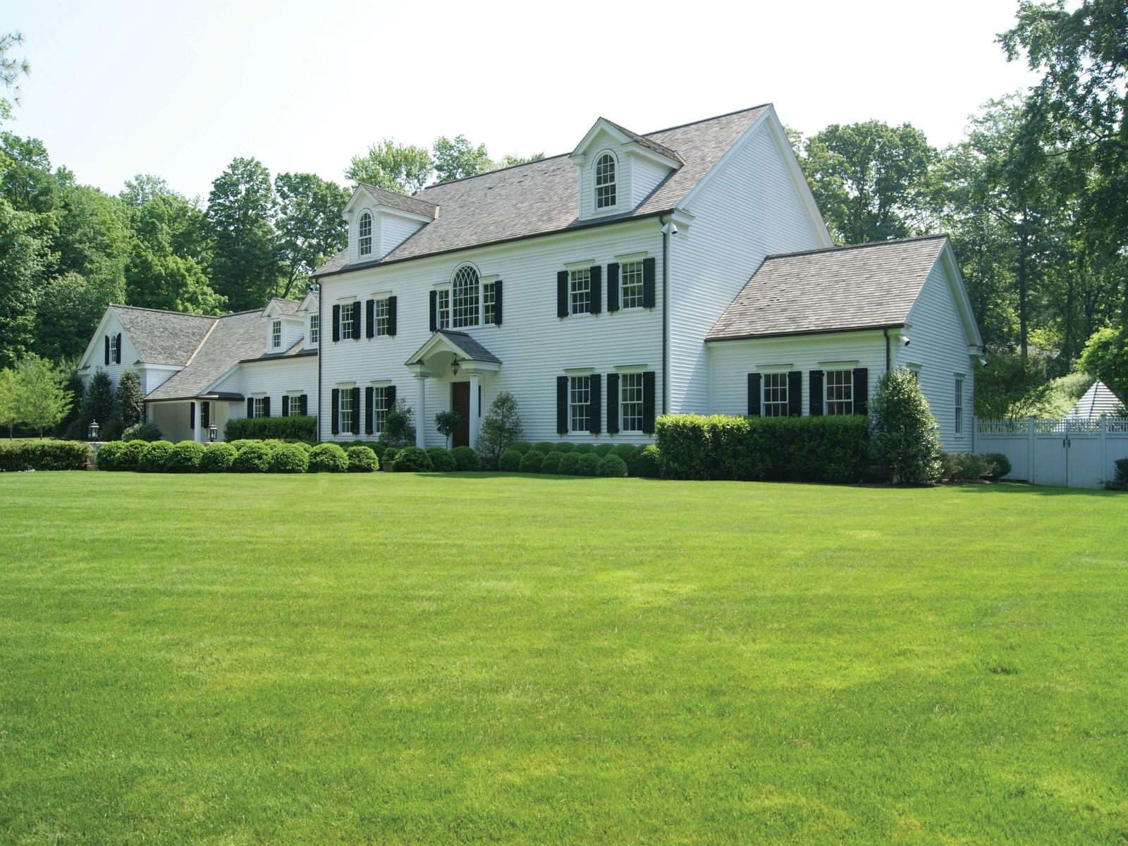 Chic Mid-Country Renovation, Greenwich CT Single Family Home - Greenwich Real Estate